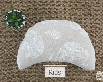 Zafu portable crescent Moon for child | Yoga & Meditation Cushion | Floor cushion | Better posture and ergonomic | Washable with liner