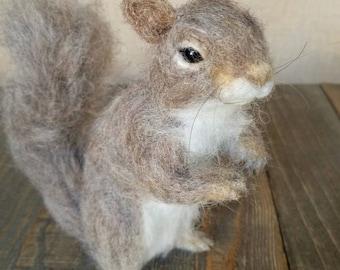 Needle felted Gray Squirrel, Squirrel gift, Nature table, Woodland decor, Needle felt animal