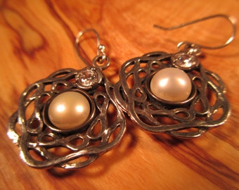 Vintage Sterling Silver Pearl Israel Earrings