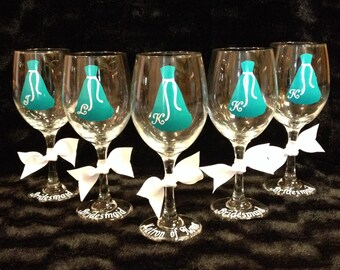 Bridal Party Wine Glasses bridal party gifts maid of honor matron of honor bridesmaid (one glass)