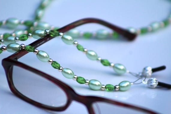 Mint Green Beaded Chain for Glasses, Spring Green Eyeglass Chain, Glasses Holder, Light Green Readers Glasses Necklace