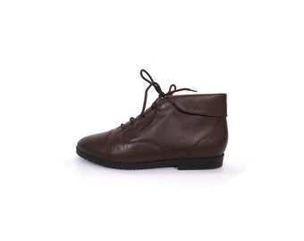 Vintage 90s Chocolate Brown Leather Lace Up Granny Cuffed Ankle Booties 7.5 8