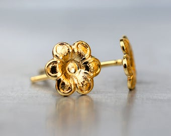 Nature jewelry, Gold flower earrings, Birthday gift, everyday jewelry, gold post earrings, flower studs, flower stud earrings, tiny flowers