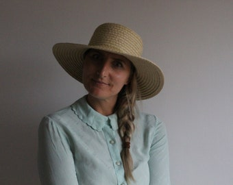 Mint green blouse with Peter Pan collar