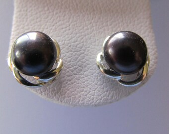 Earrings with 7mm Black Cultured Freshwater Pearls in Sterling Silver