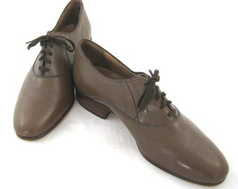 70s Mens Shoes Taupe Leather Shoes Leather Shoes Mens Dress Shoes Mens Size 9 Shoe 1970s Lace Up Shoes Ballroom Shoes Brown Leather Shoes