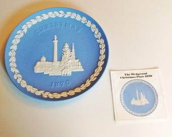 1970 Wedgwood Christmas Plate Blue and White Jasper ware Trafalgar Square with documentation Second in Series limited edition