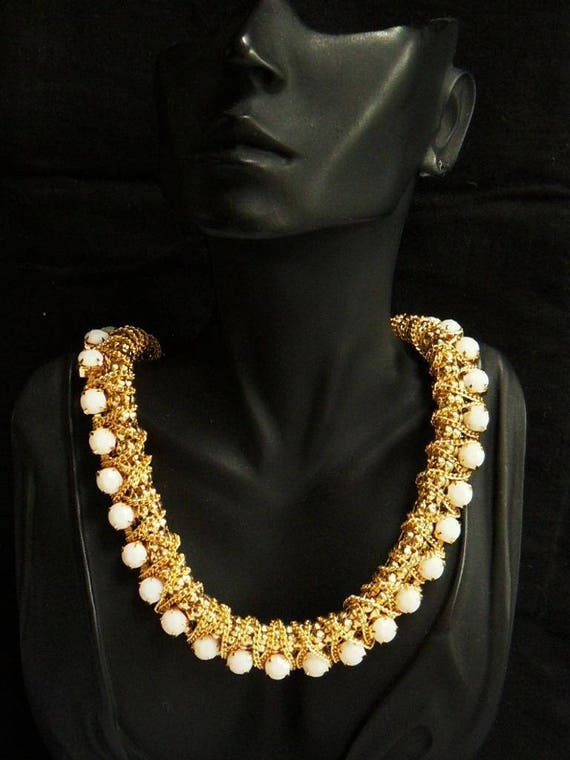 Vintage Beautiful Goldtone Wide Chain  Prong Set Faux Glass Stone Collar necklace