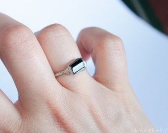Green Tourmaline Ring size 6 1/4 us, Raw tourmaline ring stackable ring Raw crystal ring Tourmaline jewelry raw stone stacking ring gift