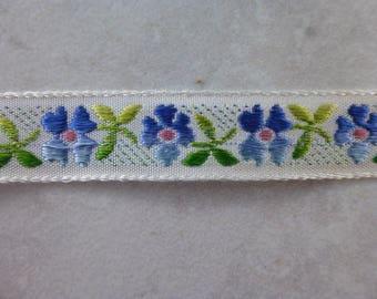 Little Blue Flower Trim