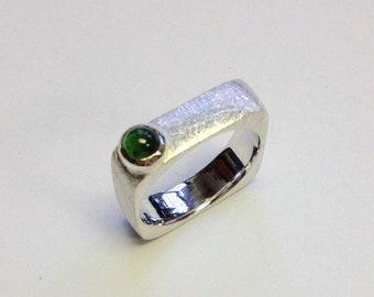Eckigrunder ring with Tourmaline