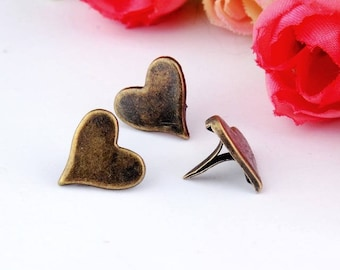 Brads, small Brads in vintage brass heart shaped, set of 5