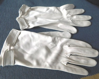 Vintage 1950's  Ladies  Ivory WRIST length gloves with Embellished Gloves