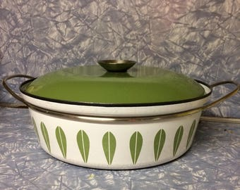 Beautiful Catherineholm Okive Green Lotus Sauce Pan with Lid