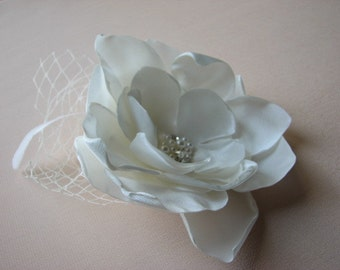 "Ivory hair fascinator Ivory hair flower Ivory headpiece Ivory bridal flower Ivory hair piece Ivory flower 3"" lace hair flower Ivory flower"