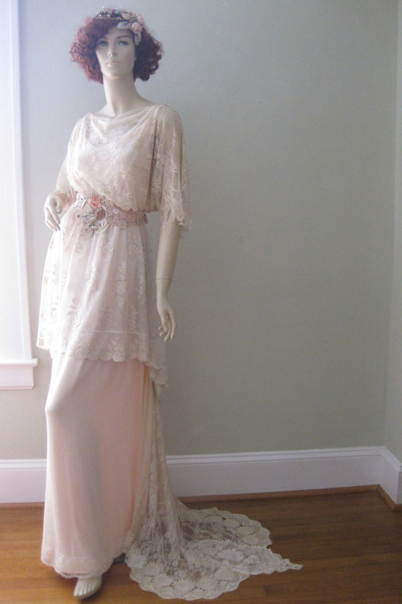 Vintage Style Wedding Dresses, Vintage Inspired Wedding Gowns Romantic wedding dress Vintage wedding gown  $1,008.00 AT vintagedancer.com