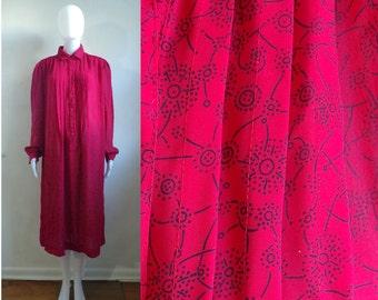 70s shirt dress size xl / plus size 18W, red floral print lightweight midi dress, 1970s retro shift dress, crepe day dress