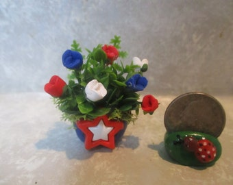 "Miniature red/white/blue miniature doll/dollhouse 4th of July Wreath 1 3/4""h"