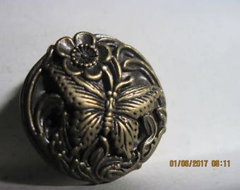 ANTIQUE EXCELLENT Gorgeous 20th Century Brass Highly Detailed Molded Butterfly Metal Look Button ...#1384
