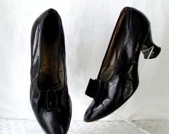 Softest Kid Leather c1920's Shoes Black Size 4 Louis Heels .  Flapper Fashion .  Vintage  .