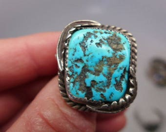 Vintage Navajo Turquoise  and Sterling Ring - Signed HH