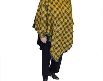 Plaid carp/poncho with sleeves
