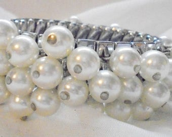 Wide Faux Pearl Vintage Expansion Bracelet from the 50's