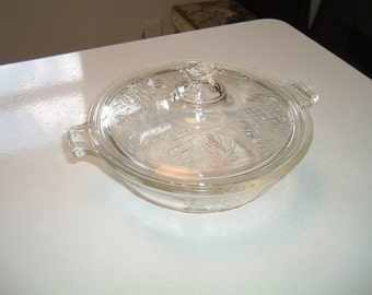 Vintage Pyrex Covered Casserole 096 696 Embossed Fern Leaf and Lattice  Work