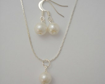 Single Drop Pearl Jewelry Set  - Necklace and Earrings