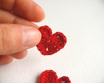 Crochet hearts applique, small wedding favor, 15 mini hearts, embellishments, Valentines, scrapbooking,wedding decorations, cards, gift idea