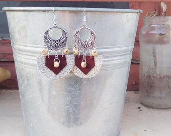 Earring style Oriental in different leathers