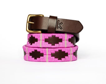 Argentinian leather polo belts - PINK BEIGE - Embroidered manually - Natural tanning - Woman model - Kamyno
