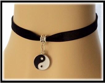 Black Velvet Choker, Ying Yang Choker, Women's and Girls Choker Gifts, Ying Yang Jewelry, Choker Charm Necklaces, Retro Choker Necklaces,