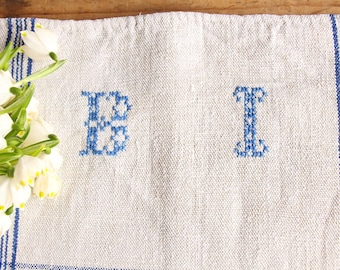 D 148:  handloomed linen antique charming TOWEL napkin LAUNDERED EASTER Spring decoration 리넨