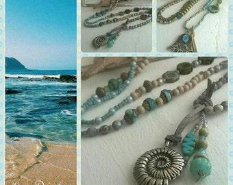 Long necklace wooden beads blue/beige boho style
