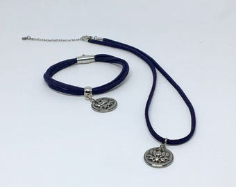 Set necklace and bracelet with Lotus charm