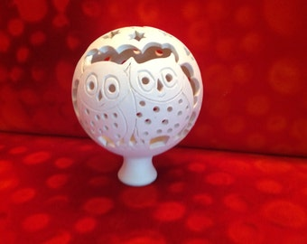 Owl-Rose ball in white clay to illuminate