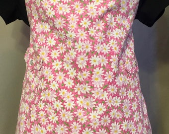 Pink with White Daisies Child Size Apron