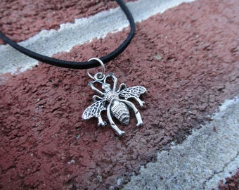 Silver Bug/Insect Pendant Necklace Choker