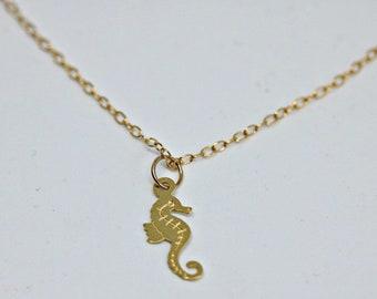 Sea Horse Necklace, Seahorse necklace, gold sea horse ,sea horse pendant, beach necklace, sea horse necklace ,gold necklace