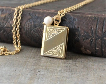 Gold Book Locket, Gold Locket Necklace, Gold Photo Locket Pendant, Heirloom Necklace, Gold Picture Locket, Estate Jewelry Push Gift for Mom