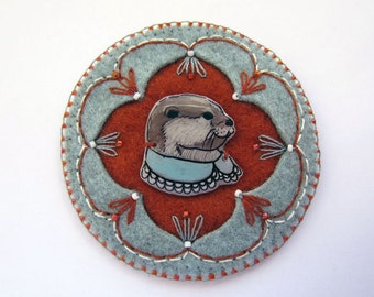 Illustrated Brooch - Otter in a Collar