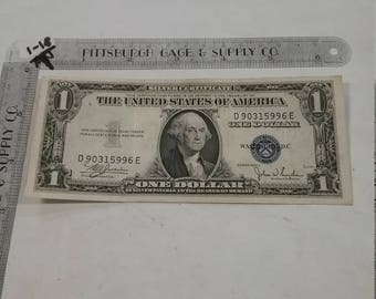 Vintage used circulated silver certificate 1935 1 dollar D 90315996 E