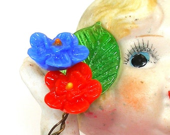 Tiny art glass flowers, 1930s Czech red & blue with leaf on wire stems.