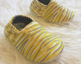 Baby Moccs: Gender Neutral Zebra / Baby Shoes / Baby Moccasins / Childrens Indoor Shoes / Vegan Moccs / Soft Soled Shoes / Montessori Shoes