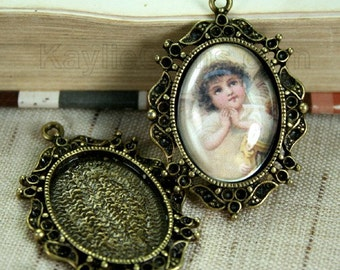 Cameo Cabochon Setting 18x25mm Frame Pendant Rhinestone Deco Victorian Antique Brass Close Back FRM3308CAB - 4pcs