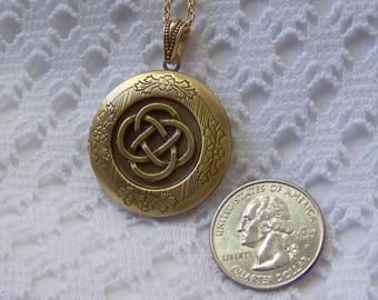 Celtic Knot  Antiqued Gold Love Knot Locket - Irish Jewelry - Scottish - Celtic jewelry - Renaissance - Nautical Knot - Ireland - Scotland