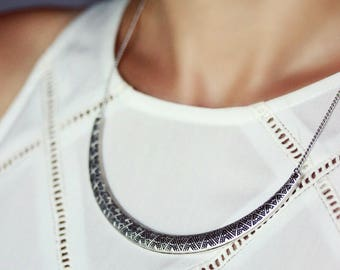 Silver Tone Necklace Simple Minimalistic Necklace Boho Necklace Antique Silver Collar Statement Necklace Silver Jewelry Bib Necklace For her