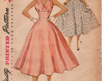 Simplicity 4706 / Vintage 50s Sewing Pattern / Empire Dress / Size 16 Bust 34