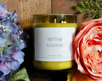 Wine candle // Wine bottle candle // Spring Blooms // Spring flowers candle // Soy candle // Handmade candle